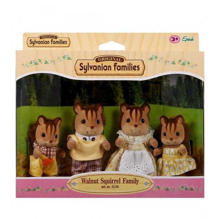 Walnut Squirrel Family 3136